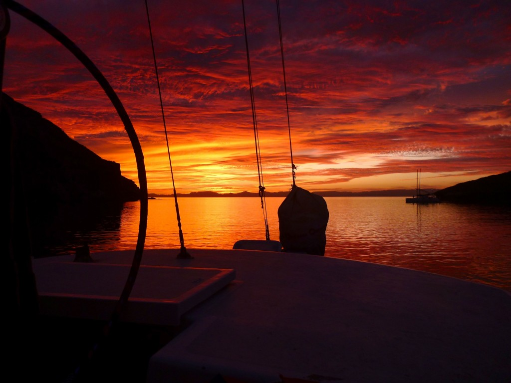 another sunset, from an anchorage on the Isla Espiritu Santo